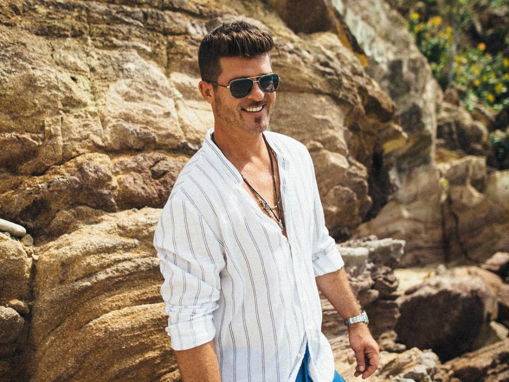 Robin_Thicke_Header