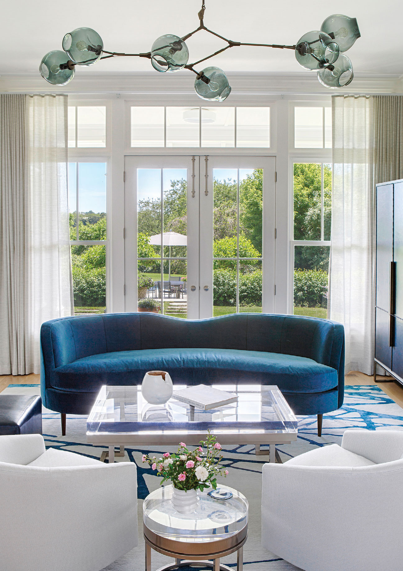 bridgehampton-living-room.jpg